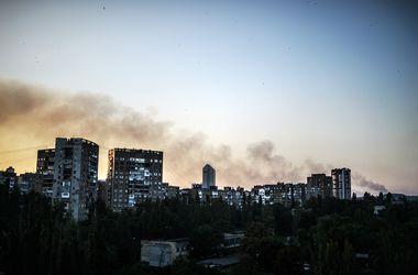 В Донецке снаряд попал в гаражи