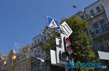 В Харькове светофоры снабдят видеокамерами