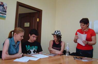 В Киеве беженцы из России, Крыма и Донбасса активно учат украинский язык