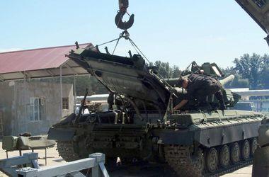 Из Харькова в районы проведения АТО направлено более 430 тонн бронетанкового имущества