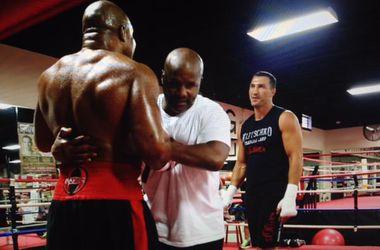 Шеннон Бриггс попытался подраться с Кличко на тренировке