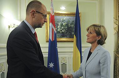 Яценюк заверил, что Украина заинтересована в установлении всех обстоятельств крушения Боинга