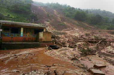 В Индии сошел оползень, 150 человек могут находиться под землей