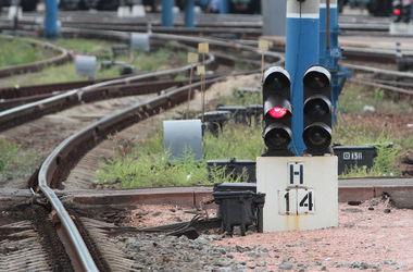 Из-за боев в Донбассе отменяют поезда
