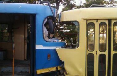 В Одессе столкнулись два трамвая, есть пострадавшие
