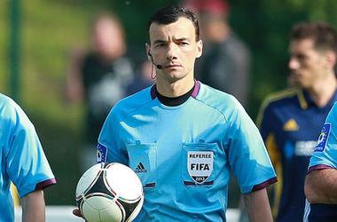 Украинский арбитр показал три красные карточки в матче Лиги чемпионов