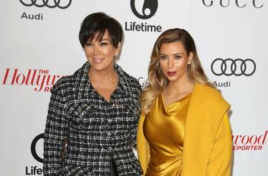 Мать Ким Кардашьян считает свою дочь одержимой