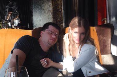Гарик Харламов запретил Асмус брать на фестиваль Comedy Club откровенное платье