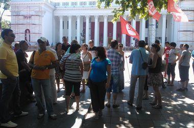 Перед мэрией Одессы протестовали владельцы подлежащих сносу МАФов