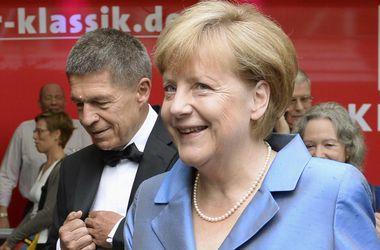 Меркель пытаются дискредитировать за ее поддержку Киева - МИД Украины