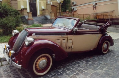 В Киеве покажут кабриолеты Вермахта и древние американские джипы