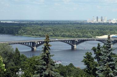 """""""Киевавтодор"""" проверит мост Метро в столице"""