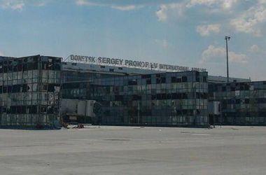 "Террористы из ""Града"" обстреливают аэропорт Донецка"