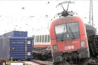 В Германии столкнулись два поезда: десятки пассажиров пострадали