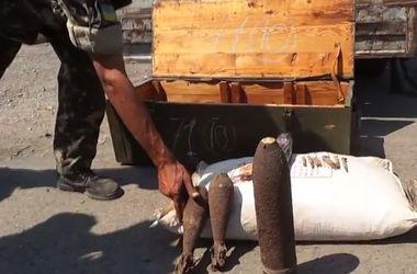Саперы очищают пути от фугасов, заложенных террористами