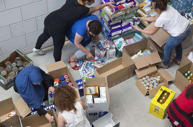 Донецкая и  Харьковская области  получили 10 т медикаментов и продуктов