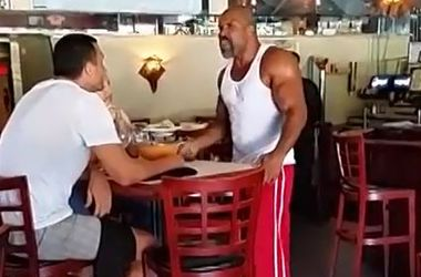 После ссоры в ресторане с Кличко Бриггс попал в больницу
