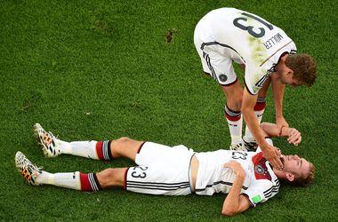 Глава медицинской службы ФИФА предлагает разрешить четвертую замену