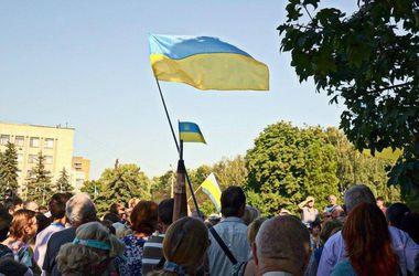 В Славянске прошло шествие за единство Украины