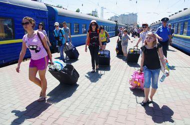 Переселенцы с детьми из  Лисичанска возвращаются домой
