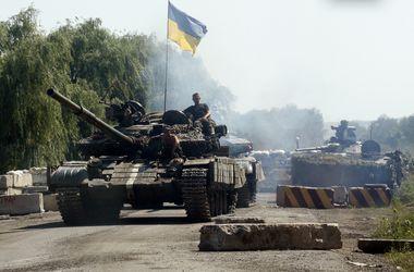 На границе с РФ украинских военных шесть часов подряд обстреливают тяжелой артиллерией