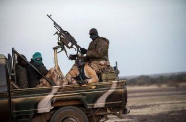 Боевики из Сирии прорвались через границу с Ливаном