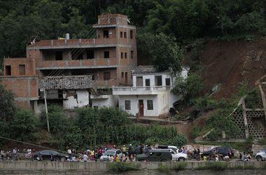 Землетрясение сотрясло три провинции Китая: 367 погибших