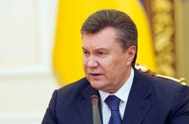 Янукович пытается через суд доказать свою легитимность