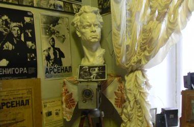 В коридорах музея Одесской киностудии витает дух Глеба Жеглова, Электроника и д'Артаньяна