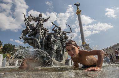 Как украинцы спасаются от жары