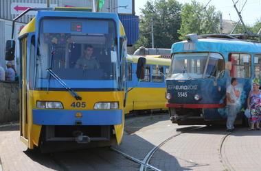 Транспорту на Троещину выделят полосу