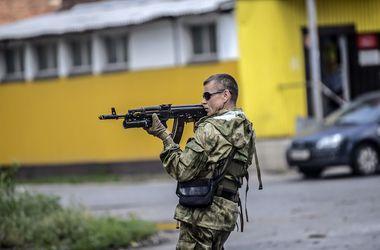 Боевики свободно разъезжают по Донецку и заблокировали автостанцию