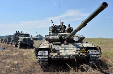 Бойцы подразделений ВСУ под шквальным огнем обороняют границу в зоне АТО