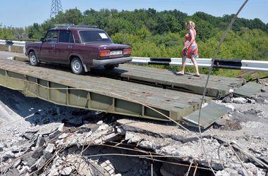 С начала АТО террористы в Донбассе взорвали 17 мостов - СНБО