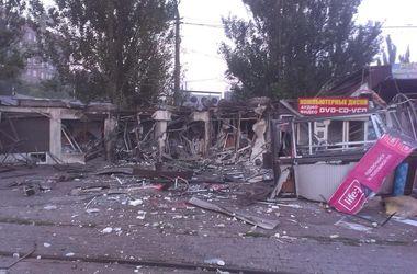 В Донецке разбомбили остановку, погиб местный житель