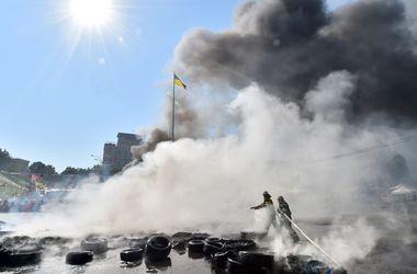 У Кличко сказали, что не давали указание разбирать баррикады на Майдане