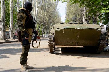 РФ продолжает перебрасывать оружие и боевиков в Украину – СНБО