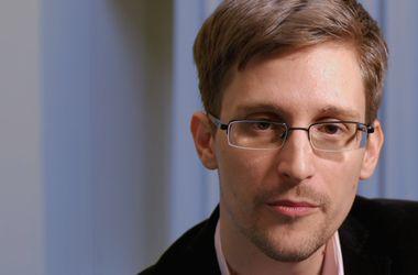Американский беглец Сноуден останется в России еще на три года
