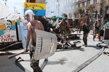 """В столкновениях на Майдане ранили четверых бойцов батальона """"Киев-1"""""""
