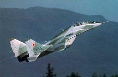Над Енакиево боевики сбили украинский истребитель