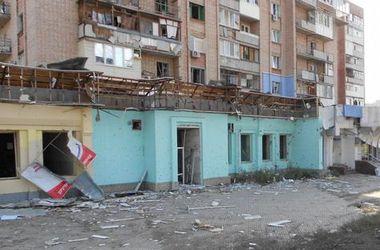 В Луганске из-за артобстрелов погибла шестилетняя девочка и ранена беременная женщина