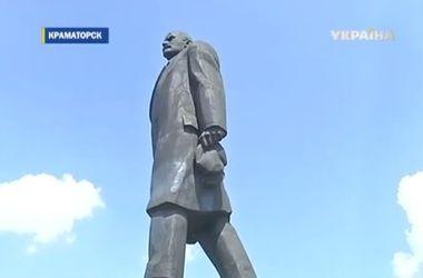 В Краматорске со скандалом пытались снести памятник Ленину