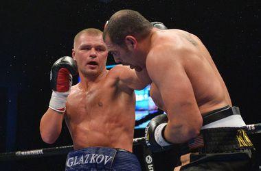 Украинец Глазков по очкам победил американца Росси