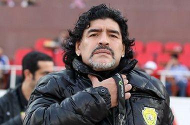 Диего Марадона снова ударил журналиста