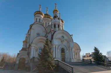 В Горловке снаряд попал на территорию Богоявленского собора
