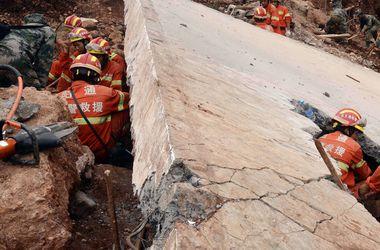 В Китае 13 человек завалило в рухнувшем тоннеле