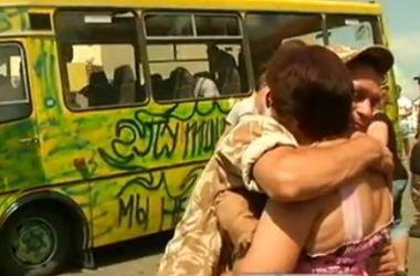 Жены армейцев требуют дать их мужьям законный отпуск