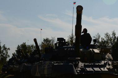 """Россия стянула к украинской границе 160 танков, 150 """"Градов"""" и 330 единиц авиации – СНБО"""