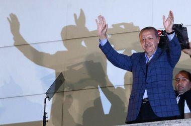 Порошенко поздравил Эрдогана с победой на выборах и пригласил в Украину