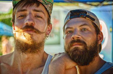 В Киеве прошел парад бородатых мужчин